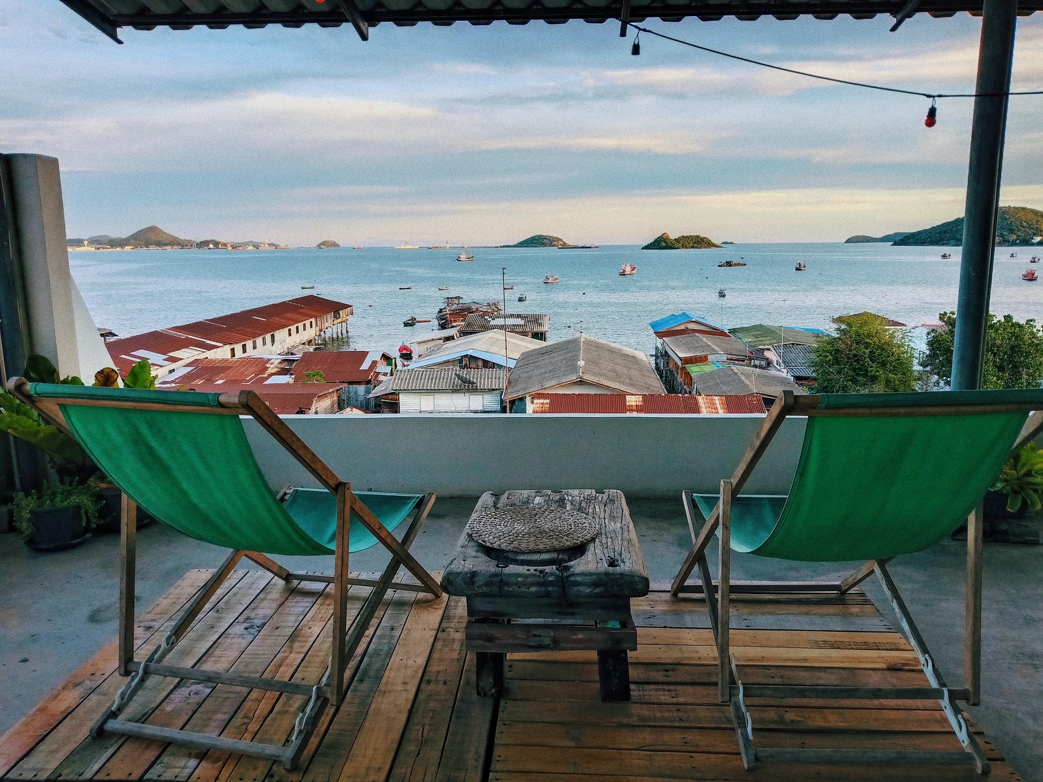 รีวิว!! 9 ที่พักสัตหีบราคาหลักร้อย ใกล้ทะเล งบไม่เกิน 800 บาท