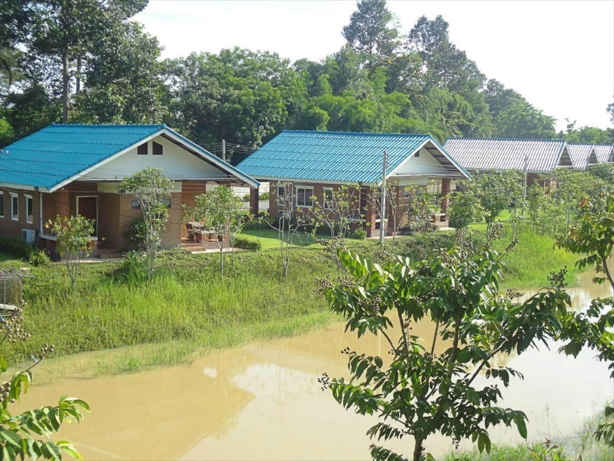 รีวิว!! 10 ที่พักใกล้เขื่อนขุนด่านปราการชล บ้านเป็นหลัง ติดริมน้ำ ราคาเริ่มต้นหลักร้อย!