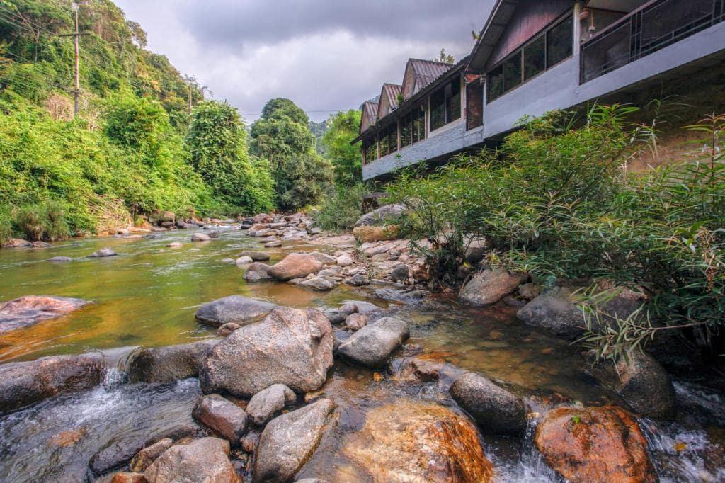 รีวิว!! 7 ที่พักระนอง บรรยากาศดี มีทั้งติดทะเล ติดแม่น้ำ เริ่มต้นหลักร้อย!