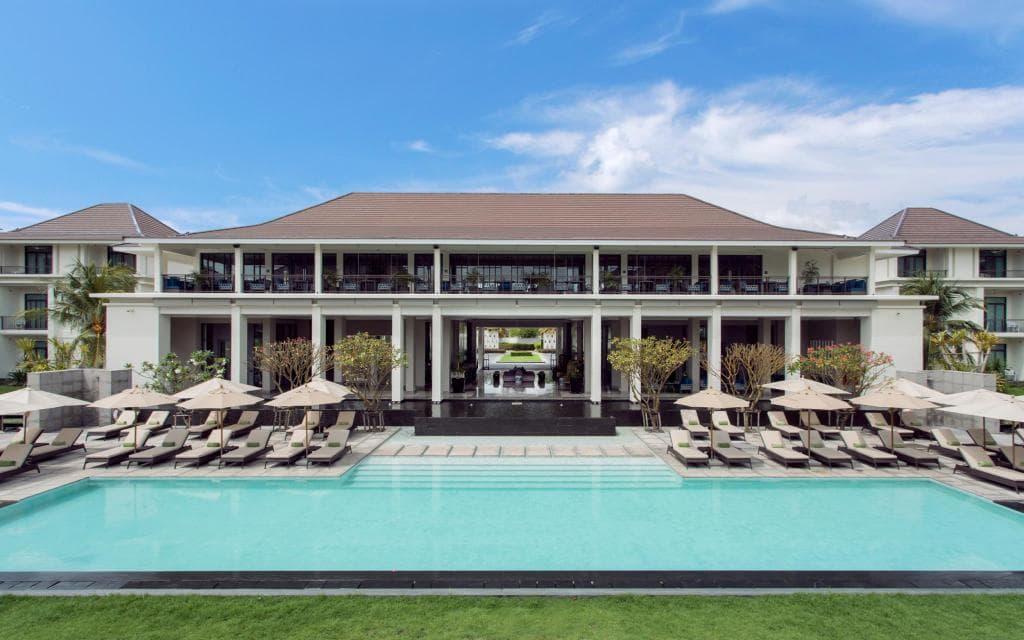 รีวิว!! 10 ที่พักกรุงเทพ สระว่ายน้ำสวย งบสบายกระเป๋า!