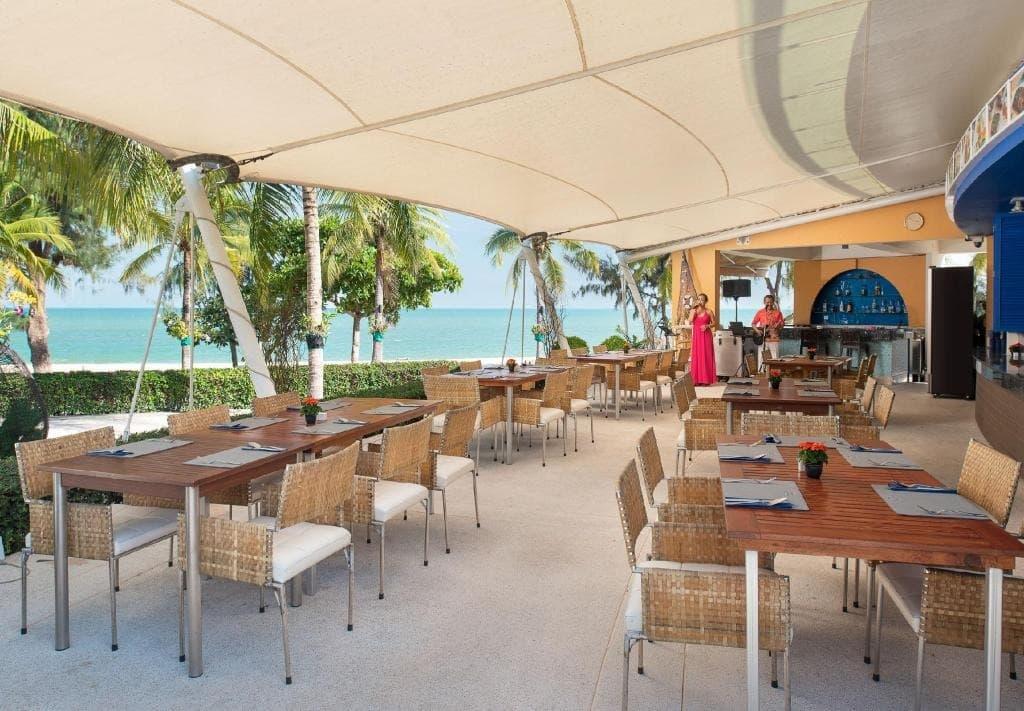 รีวิว!! 15 โรงแรม 5 ดาวหัวหินสวยๆ ติดทะเลมีชายหาดส่วนตัว!