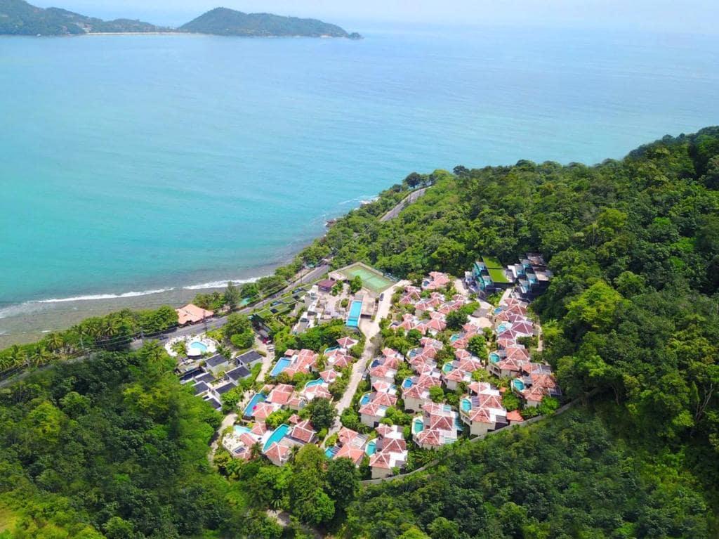 รีวิว!! 10 ที่พักป่าตองติดทะเล วิวสวย ราคาถูก เริ่มต้นคืนละ 550 บาท!
