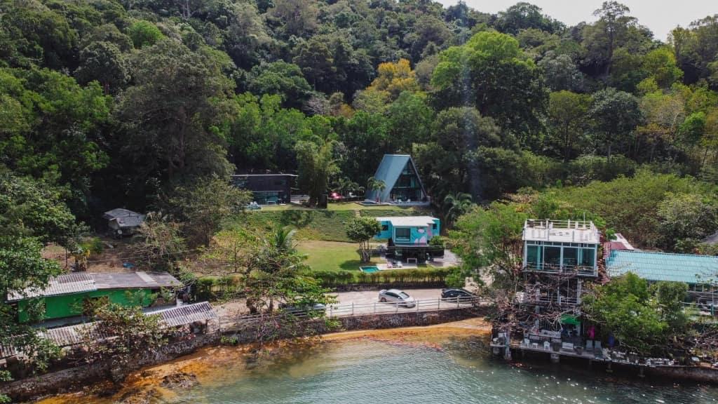 10 พูลวิลล่าจันทบุรี ติดทะเล ราคาไม่แพง เริ่มต้นหลังละ 1,600 บาท!