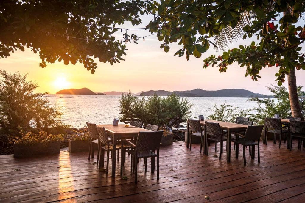 10 ที่พักเกาะหมาก ติดทะเลสวย ๆ มาแล้วไม่ควรพลาด!